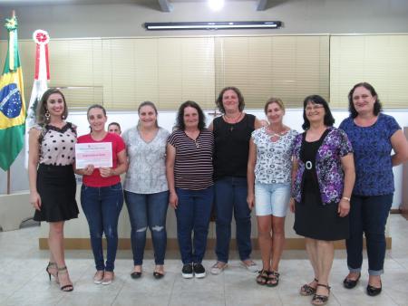 CLUBE DE MÃES PARTICIPA DE SESSÃO NA CÂMARA